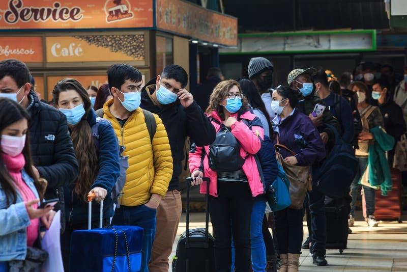 Informe epidemiológico: Siete comunas de la Región Metropolitana lideran los casos de contagios