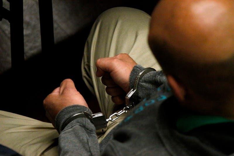 Cuatro hombres fueron condenados a prisión por violar y asesinar a una joven de 16 años en Italia