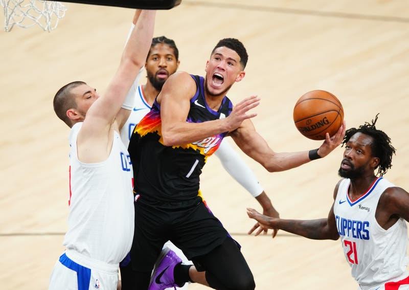 Playoffs de la NBA: Suns golpean primero a los Clippers de la mano de un descomunal Booker
