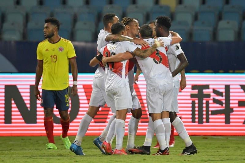 Perú derrota 2-1 a Colombia y revive en el Grupo B de la Copa América