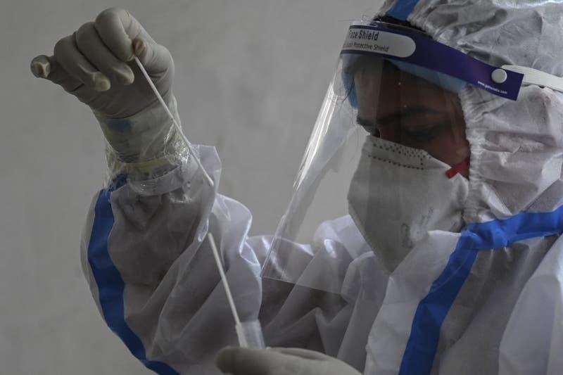 India confirma hallazgo de contagios por COVID-19 con la variante Delta Plus