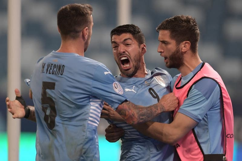 El análisis de Javier Castrilli por el polémico gol de Luis Suárez ante Chile