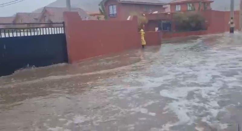 Reportan inundaciones en Copiapó tras lluvias de este miércoles