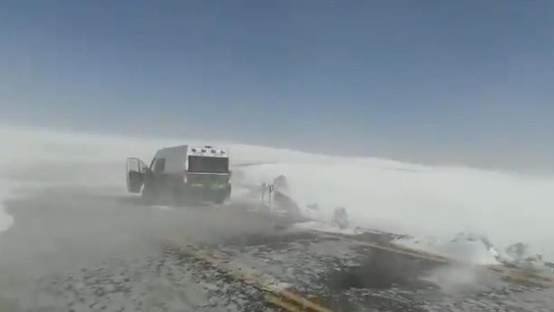 Carabineros rescatan a 12 personas encontradas caminando hacia complejo fronterizo en Antofagasta