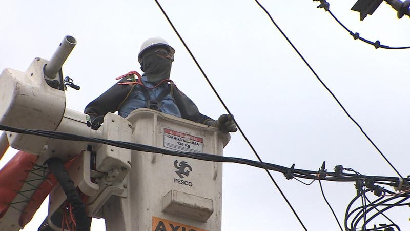 Reiterados cortes de luz tienen indignados a vecinos en Las Condes