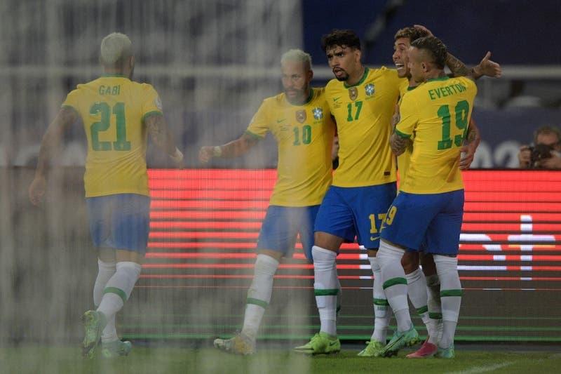 Brasil lo da vuelta y vence en el décimo minuto de agregado a Colombia por Copa América