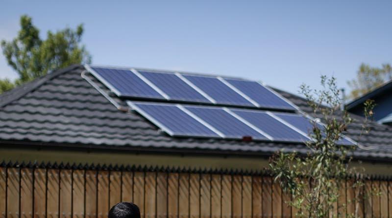 Subsidio de paneles solares: Qué comunas pueden postular a este beneficio