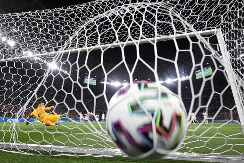"""UEFA anuncia la eliminación del """"gol de visitante"""""""