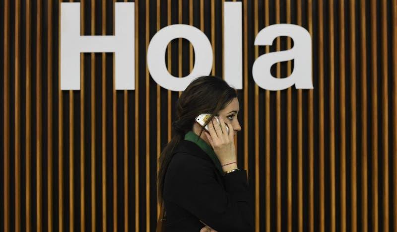 """Científicos chilenos: si su celular """"tiene"""" COVID, usted también"""