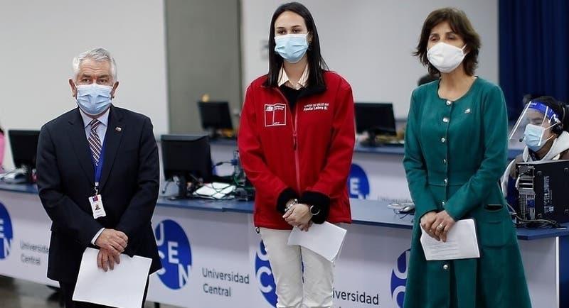 Presentan querella contra Paris, Daza y Labra por caso de mujer con la variante Delta en Chile