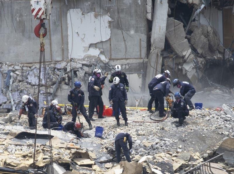 Suben a nueve los muertos por derrumbe de edificio en Miami