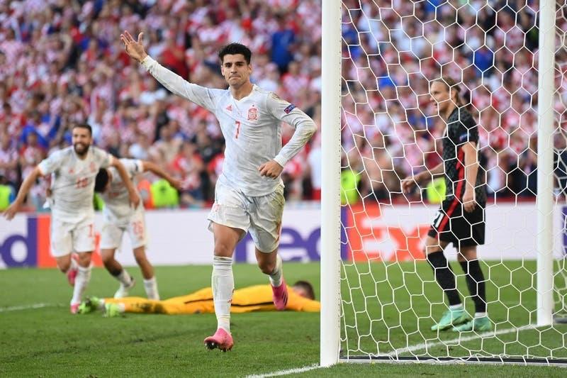 En un partido de locos, España venció en el alargue 5-3 a Croacia y clasificó a cuartos de la Euro