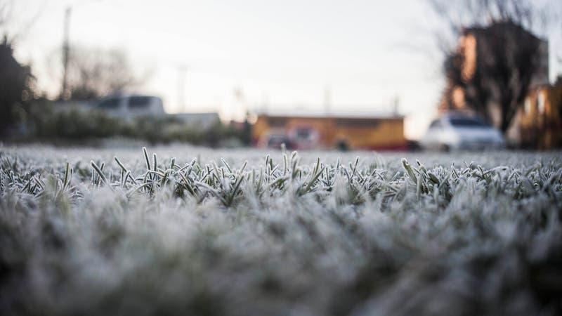 Este lunes se registró el día más frío de los últimos cuatro años en la Región Metropolitana