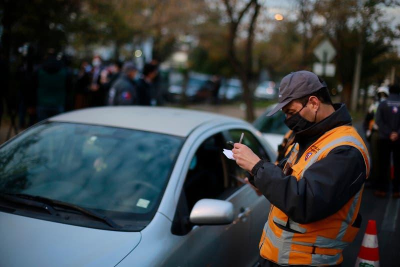 Restricción Vehicular: Los dígitos con sello verde que no pueden circular en Santiago