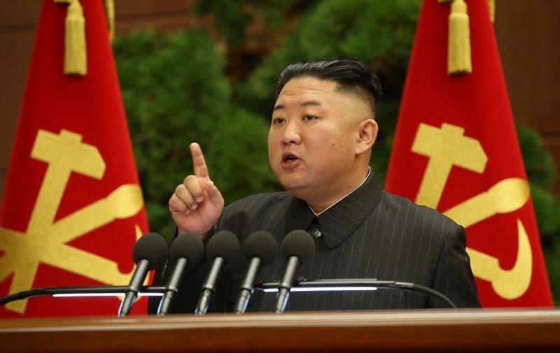 """Kim Jong Un despide a altos cargos tras """"incidente grave"""" vinculado a COVID-19"""