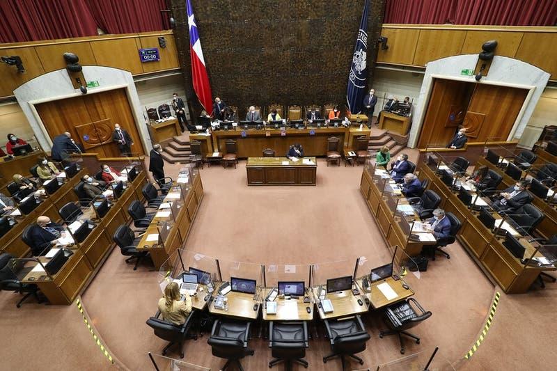 Senado aprueba reajuste al salario mínimo de $10.500 pesos y será ley