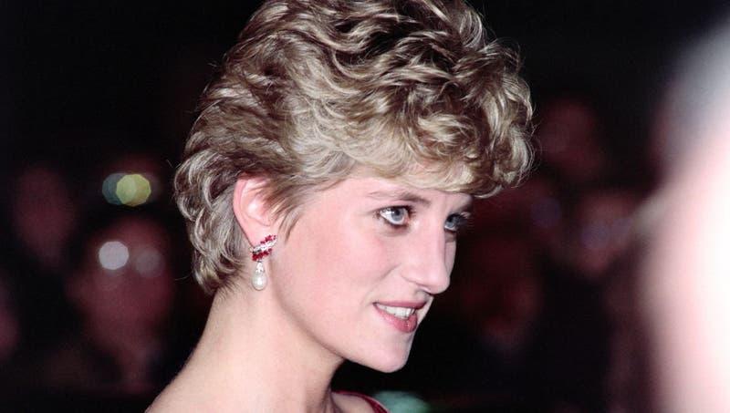 La misteriosa estatua de Diana que será develada en su cumpleaños