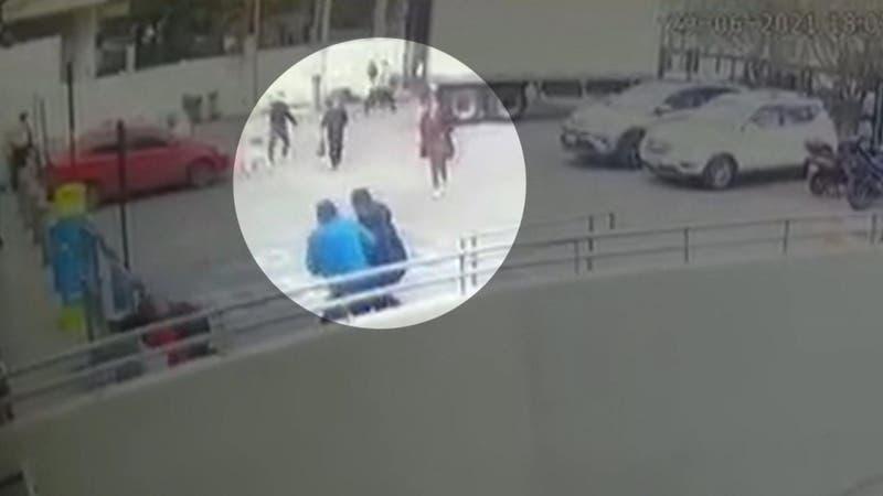"""Robo a supermercado en Ñuñoa: Agredieron a guardias tras un """"turbazo"""""""