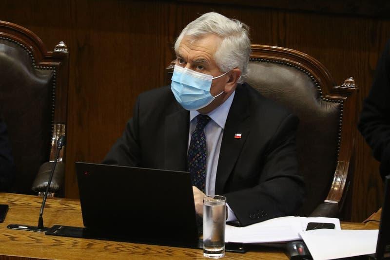 Cámara de Diputados aprobó interpelación a ministro Paris por manejo de la pandemia