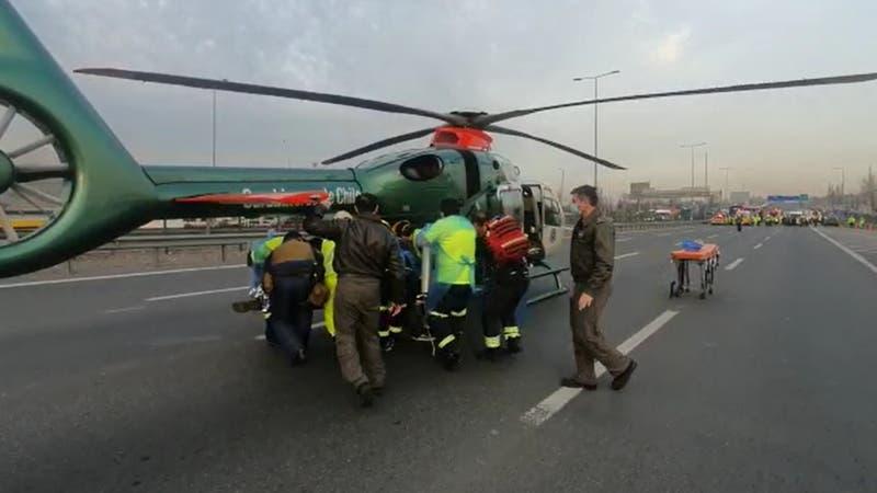 Choque múltiple obliga rescate en helicóptero en la Ruta 5 Norte