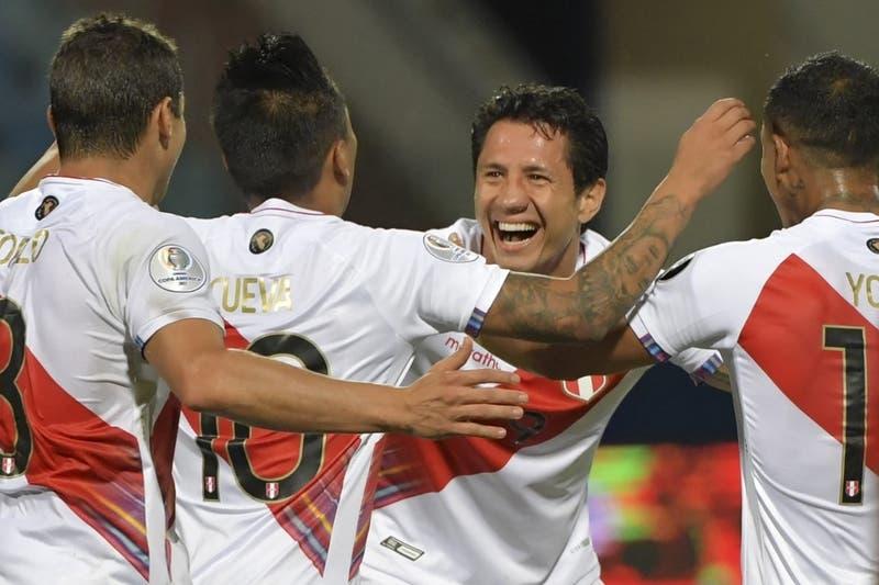 Perú vence a Paraguay en los penales y es el primer semifinalista de la Copa América 2021