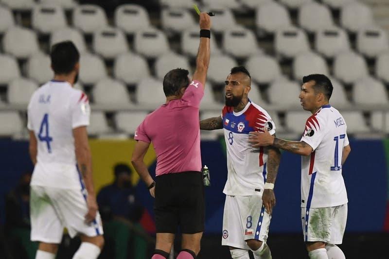 """Arturo Vidal: """"En este partido se necesita un árbitro que sea justo y no que quiera ser el payasito"""""""
