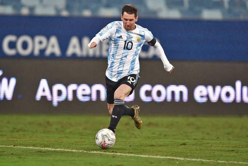 Argentina y Ecuador buscan al último semifinalista de la Copa América