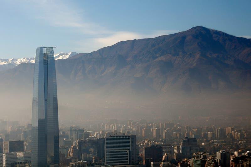 Intendencia decreta preemergencia ambiental para este lunes en la Región Metropolitana