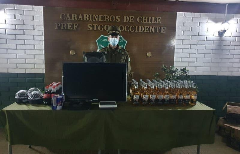 Carabineros detuvo a 26 personas en fiesta clandestina en Cerro Navia