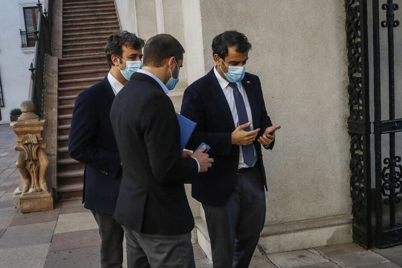 """Delgado y salida del país de contagiados con cepa Delta: """"Tenía que dar una conferencia"""""""