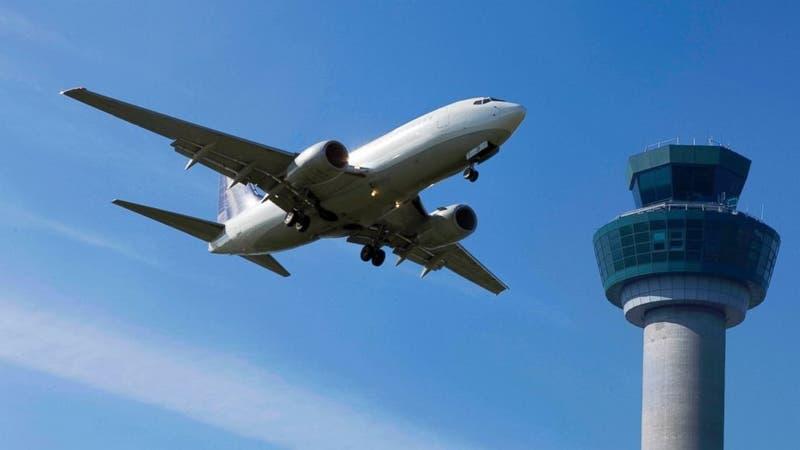 Pierden contacto con avión en extremo oriente ruso con 28 personas a bordo