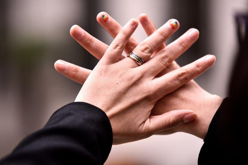 Proyecto de matrimonio igualitario es aprobado en Comisión de Hacienda del Senado y pasará a Sala