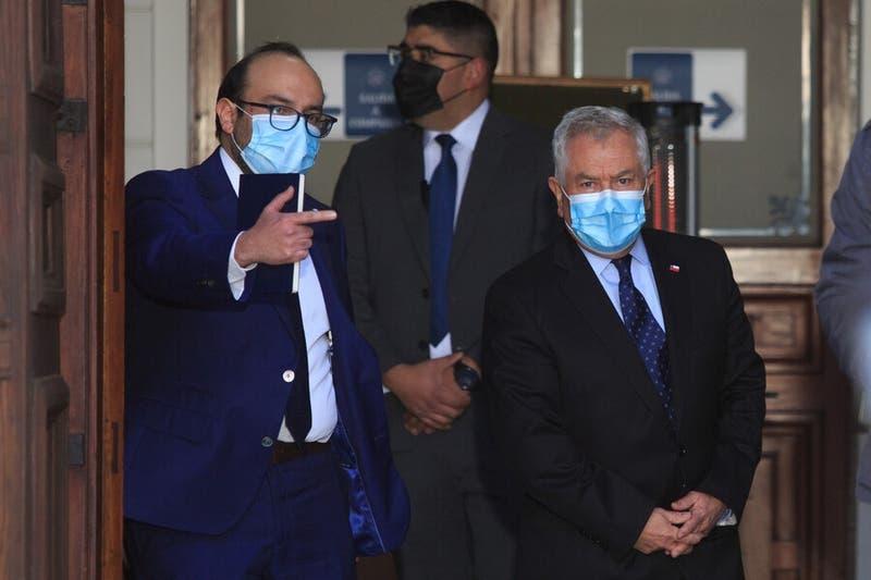 """Ministro Paris se reúne con mesa de la constituyente y compromete la """"ayuda sanitaria necesaria"""""""