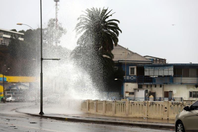 Onemi alerta marejadas en la costa de todo el país desde este miércoles