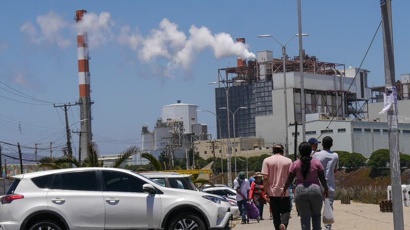 Adelantan cierre de cuatro centrales eléctricas a carbón de Mejillones y Puchuncaví