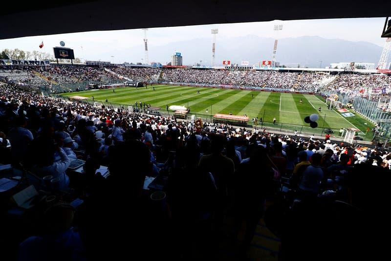 Retorno del público a los estadios estaría considerado entre las modificaciones al Plan Paso a Paso