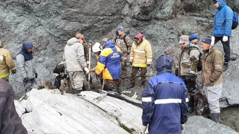 Hallan nueve cuerpos de avión accidentado en extremo oriente ruso