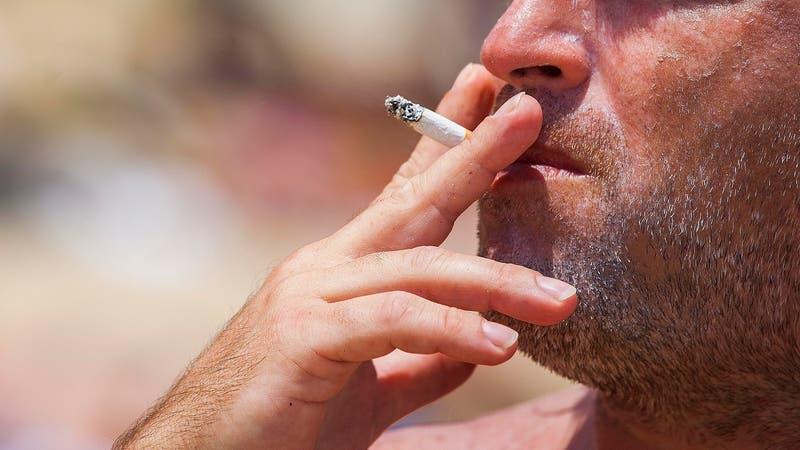 Cámara aprueba ley que prohíbe fumar en playas, ríos y lagos de Chile