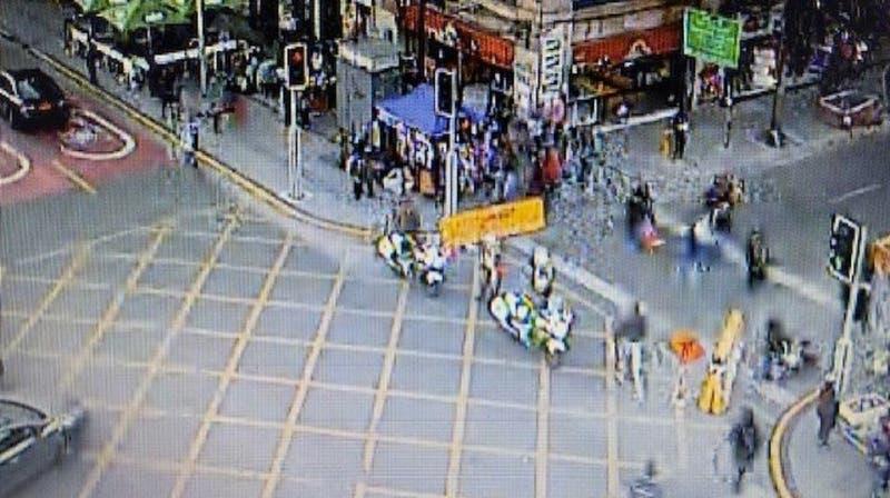 Se registran incidentes aislados y cortes de tránsito en Santiago centro