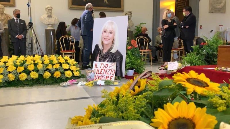 Adiós a una diva: Roma homenajeó a Raffaella Carrá