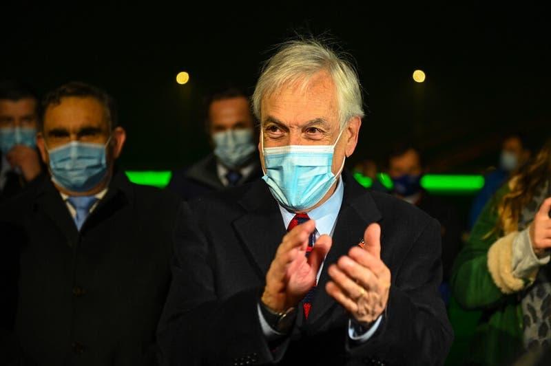"""Presidente Piñera: """"Tenemos aseguradas vacunas necesarias para una eventual tercera dosis"""""""
