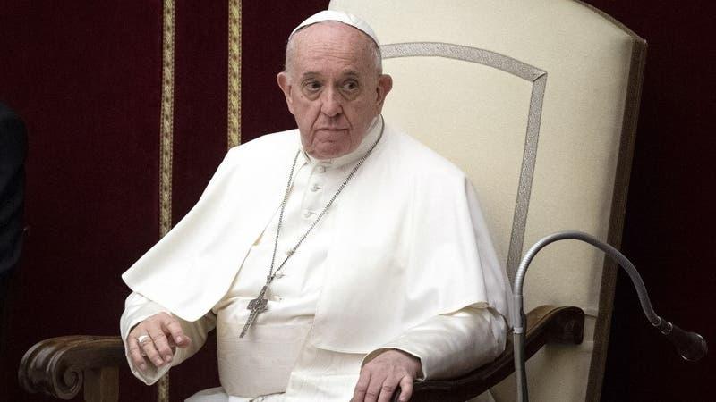 """Papa expresa su """"vergüenza"""" ante escándalo de abusos sexuales contra niños en Francia"""