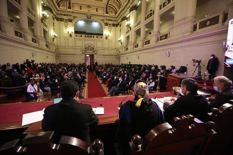 """Convención aprueba declaración sobre """"prisión política en Chile"""" y """"militarización del Wallmapu"""""""