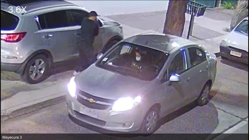 """Caen """"los reyes"""" del robo de espejos de auto"""