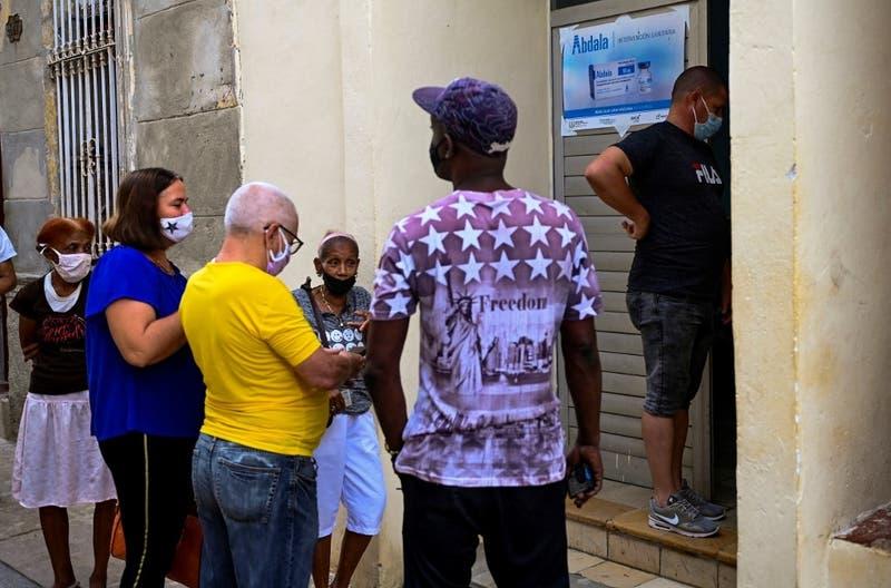 """#SOSCuba: Disidencia denuncia """"crisis"""" sanitaria en Cuba y pide """"corredor humanitario"""""""
