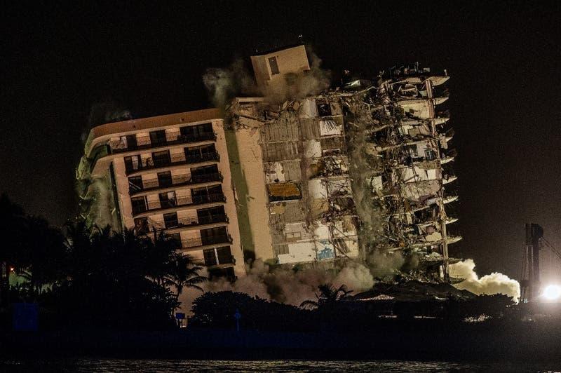 Suben a 86 los muertos en derrumbe de edificio en Miami y 43 siguen desaparecidos