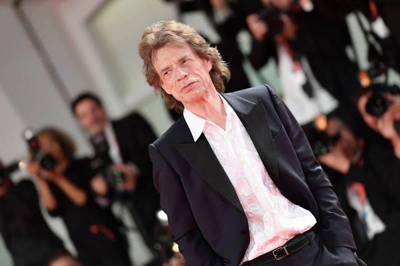 Mick Jagger en estado puro: Deberá pagar millonaria multa por romper cuarentena para ir al estadio