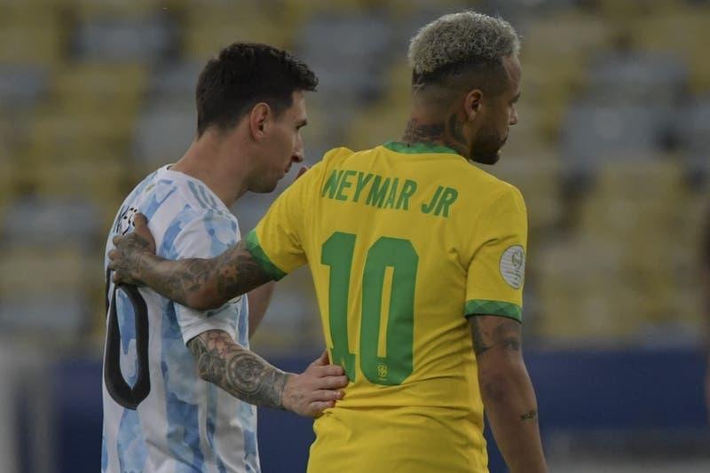 El afectuoso encuentro entre Neymar y Messi en la final de la Copa América 2021