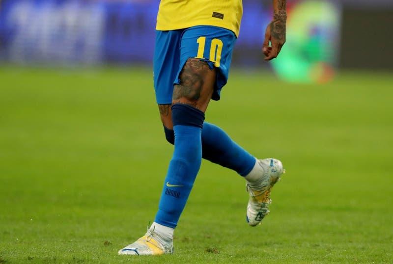 Jugó así casi todo el 1° tiempo: short roto de Neymar se roba las miradas en final de Copa América