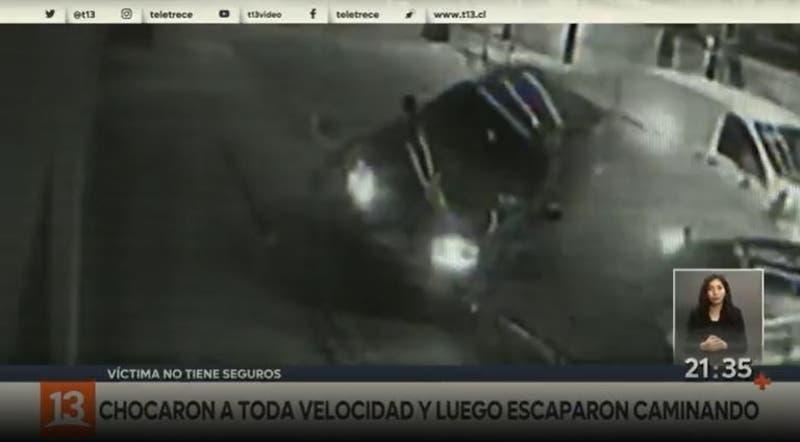 [VIDEO] Chocaron auto estacionado y se fueron del lugar: La víctima no tiene seguro